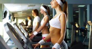 Γυναίκες στο γυμναστήριο