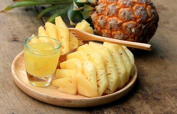 Ανανάς φρέσκο φρούτο και χυμός