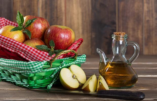 Μήλα σε καλάθι