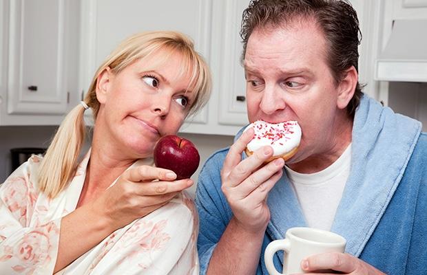 Μήλα η donuts